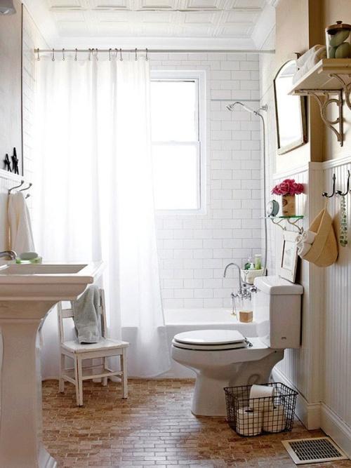 Простой и стильный дизайн интерьера маленькой ванной комнаты