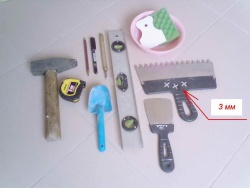 инструменты и материалы для укладки кафеля в ванной