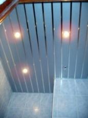 Реечные потолки для ванной комнаты