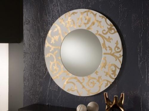 Настенное зеркало в ванную комнату