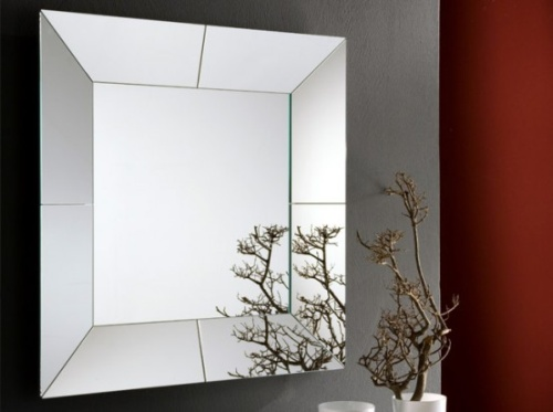 Прямоугольное зеркало в ванную комнату