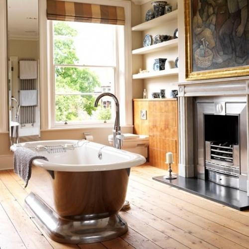 ванна на постаменте
