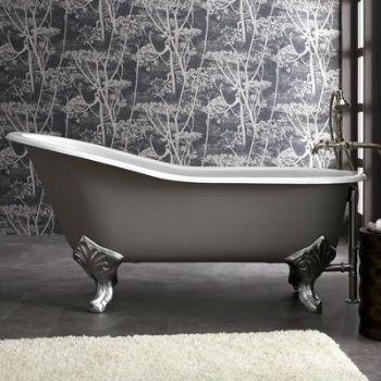 ванна на хромированных ножках