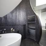 Интересное панно для ванной комнаты