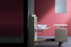 Окраска стен ванной комнаты
