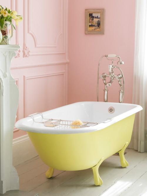 Розовая ванная комната под прованс