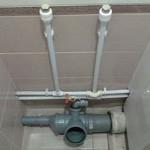 Правильная разводка труб в ванной и туалете: выбор материалов и обзор ошибок монтажа